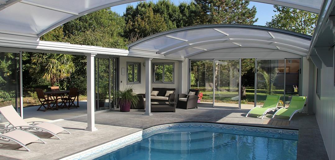 les v randas de piscine veranda de france. Black Bedroom Furniture Sets. Home Design Ideas